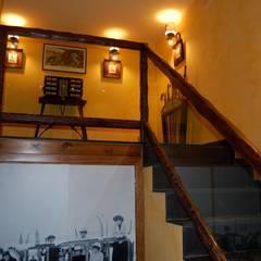 Corridor & hallway by Gramil Interiorismo II - Decoradores y diseñadores de interiores