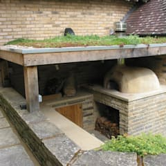 wood-fired oven under cover:  Garden by wood-fired oven