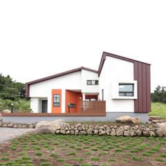 제주도를 닮은 제주도 집 유수암주택: 주택설계전문 디자인그룹 홈스타일토토의  주택