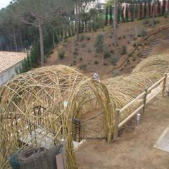 Jardines de invierno de estilo rústico por LANDSHAFT