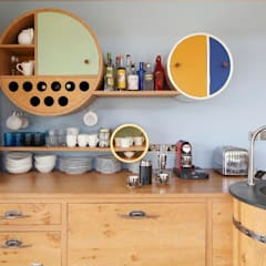 Edenbridge: eclectic Kitchen by Johnny Grey