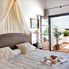 Hoteles de estilo  por Estudio de arquitectura Jesús del Valle