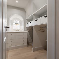 Dressing room by Home Staging Sylt GmbH