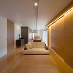 D-house 「多角形の家」: Architect Show Co.,Ltdが手掛けた家です。,モダン