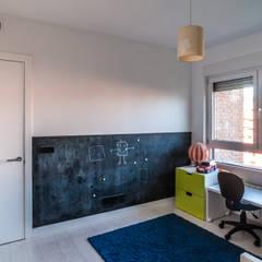 vivienda A-MOR-I-SART estudiocincocincouno_Madrid 2014: Dormitorios infantiles de estilo  de estudio551
