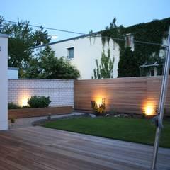 Garden by Ivo Nikolov Architekt