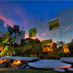TREVOX: Casas de estilo moderno por Craft Arquitectos