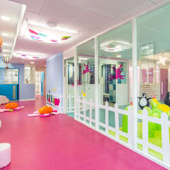 Schools by MARTINE CODACCIONI DECORATION D'INTERIEUR