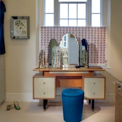 Barnsbury Park:  Dressing room by ReDesign London Ltd