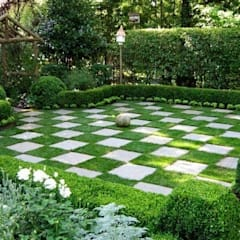 classic Garden by Dotto Francesco consulting Green