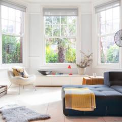 PG Residence Scandinavische woonkamers van deDraft Ltd Scandinavisch
