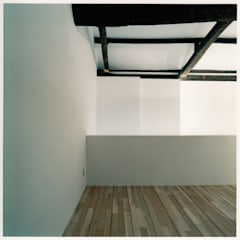 2階 客席: 井戸健治建築研究所 / Ido, Kenji Architectural Studioが手掛けたレストランです。