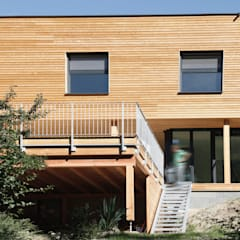 Gesamtansicht vom Garten: skandinavische Häuser von urban-filter.com