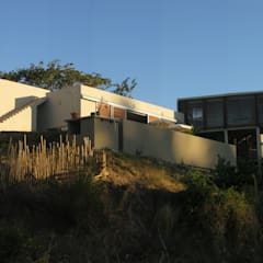 CLEMENTINE house - external view: Maisons de style  par STUDY CASE sas d'Architecture