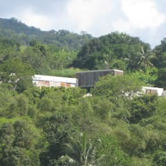 CLEMENTINE house - from the lagoon view - détail: Maisons de style  par STUDY CASE sas d'Architecture