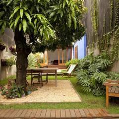 حديقة تنفيذ Ana Sawaia Arquitetura, حداثي