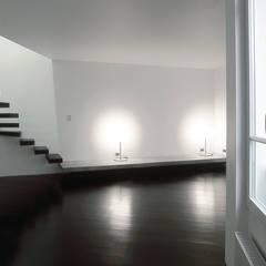 Duplex Sabot: Murs de style  par Antonio Virga Architecte
