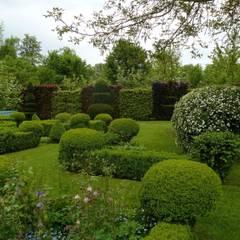 Jardin régulier, Jardins de la Ferme Bleue, Uttenhoffen, France Jardins de la Ferme Bleue sarl