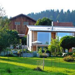 Einfamilienhaus Kr:  Holzhaus von becker architekten