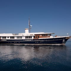 Sycara IV profile:  Yachts & jets by all
