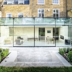 Barnes, London: Culmax Glass Box Extension:  Conservatory by Maxlight