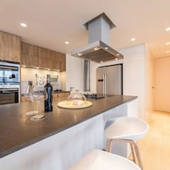 GW's RESIDENCE:  Kitchen by arctitudesign