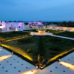 Terrazza notte: Hotel in stile  di Studio Tecnico Associato Cast&llo Engineering