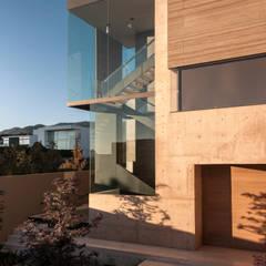 Pasillos y vestíbulos de estilo  de Gantous Arquitectos, Moderno
