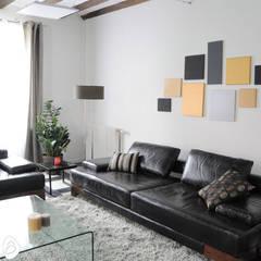 Décoration et ameublement d'une maison témoin: Centre d'expositions de style  par idée ô logis