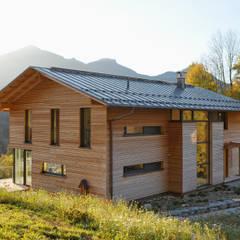 Wohnhaus in Marquartstein:  Häuser von Architekturbüro Schaub,Modern