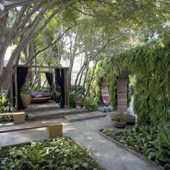 Jardim Moderno Casa Cor 2008: Jardins  por ricardo pessuto paisagismo