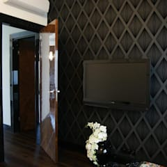 Apartament na Mokotowie inspirowany Art Deco: styl , w kategorii Pokój multimedialny zaprojektowany przez Pracownia Projektowa Pe2