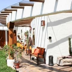 Pasillo: Pasillos y recibidores de estilo  por Cenquizqui