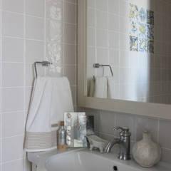 ванная комната:  в . Автор – I-projectdesign, Эклектичный