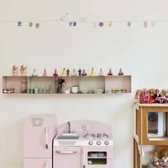 Un appartement qui respire - La salle de jeux: Chambre d'enfant de style de style Minimaliste par a-sh