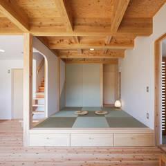 جدران تنفيذ 芦田成人建築設計事務所, إنتقائي