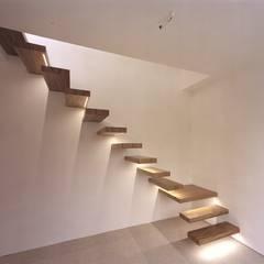 Corridor & hallway by Aufleiter & Roy GmbH