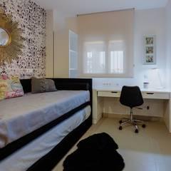 Dormitorios de estilo mediterraneo por CARMAN INTERIORISMO