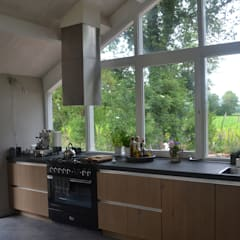 Kitchen by Dorenbos Architekten bv