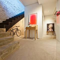 Corridor, hallway by CIP Architekten Ingenieure