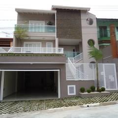 Residência Nádia & Pedro - Área externa: Casas ecléticas por Kátia Borges - arquitetura+interiores