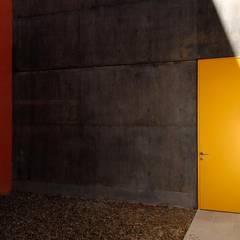 شبابيك  تنفيذ Alvaro Moragrega / arquitecto,