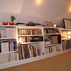Appartement Parisien pour jeune couple- Paris- 2e: Chambre de style  par ATELIER FB, Moderne