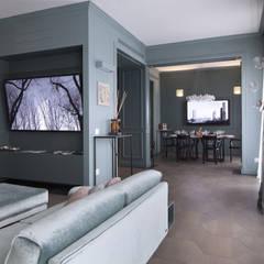 Living room by Studio Andrea Castrignano,