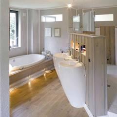Luxus Raum:  Badezimmer von Haacke Haus GmbH Co. KG