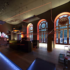 Bar Mahou - Casa Decor 2012: Salones de eventos de estilo  de  Simona Garufi