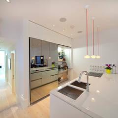 Basement Kitchen:  Kitchen by Gullaksen Architects