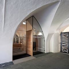SCHATZKAMMER GURK:  Museen von winkler + ruck architekten