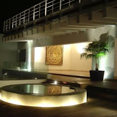 Villa KW: Terrazas de estilo  por MICHEAS ARQUITECTOS