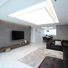 일산 강선마을 벽산아파트 58평형: MID 먹줄의  거실